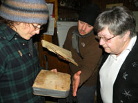 Amanda Young and Ben Phillips explain the science of dendrochronology to Patsy Hennessy, December 7, 2009.